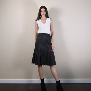 Vintage Long pleated plaid Skirt. Small XS